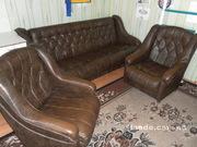 Продам комплект мягкой мебели - диван + 2 кресла