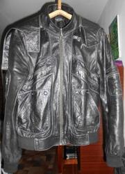Продам женскую кожанную куртку б/у в хорошем состоянии