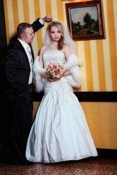 Очень красивое свадебное платье. Цвет айвори