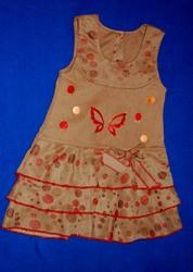 Платье  на девочу с бабочкой