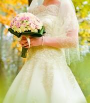 Продам свадебное платье цвета айвори